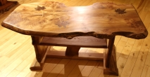 Maple leaf table with shelf