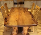 'River' Dining table seating five