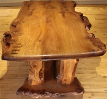 'River' Dining Table front