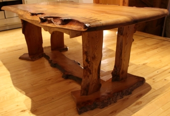 'River' Dining Table