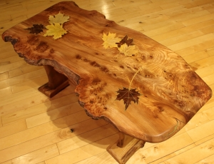 Maple leaf table with shelf - decorative leaves
