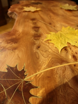 Maple leaf table with shelf - decorative leaves and detail